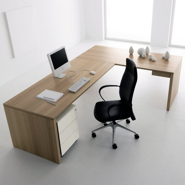 Simple work desk design