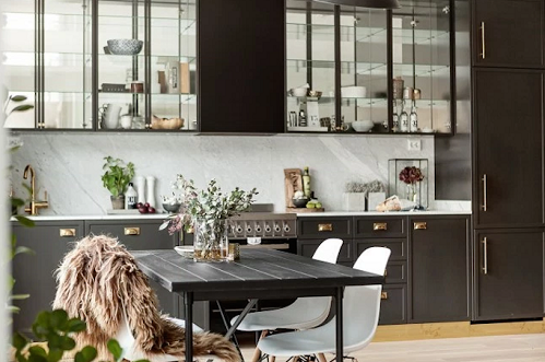 An Amazing Idea By Using Dark Gray And Brass Details