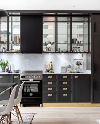 Dark Gray And Brass Details For Kitchen