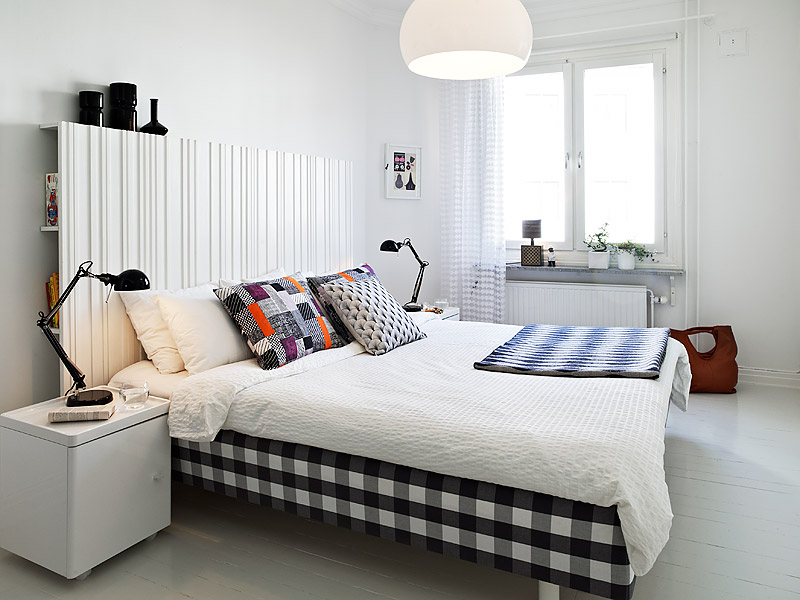 Black and white bedroom concept