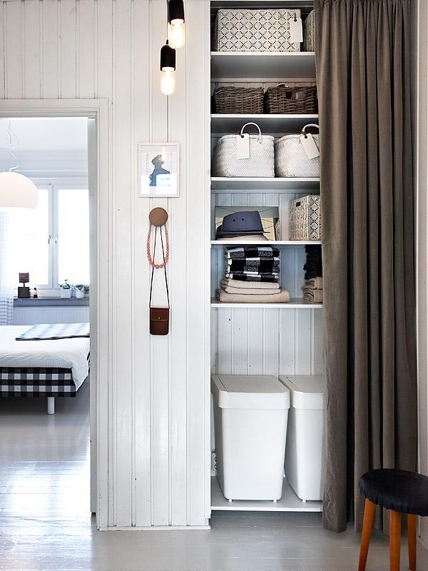 Alternative storage at minimalist apartment