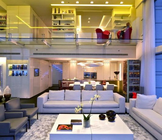 Luxurious apartment design with indoor swmiming pool