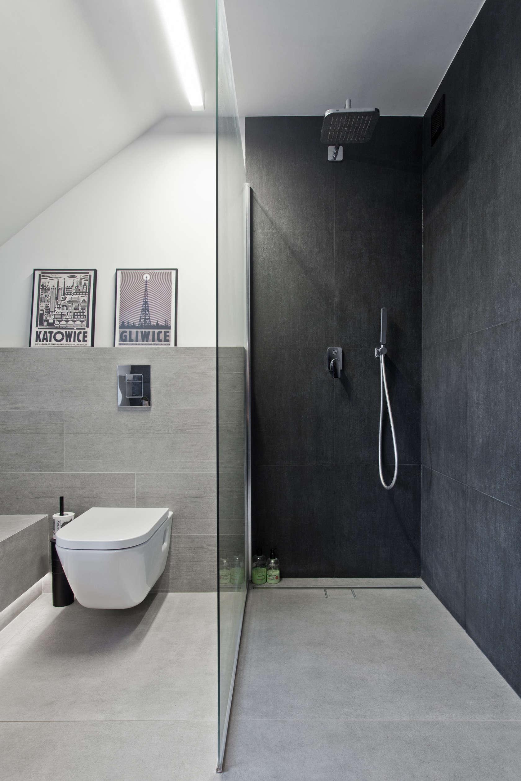 Dark shower for relaxation
