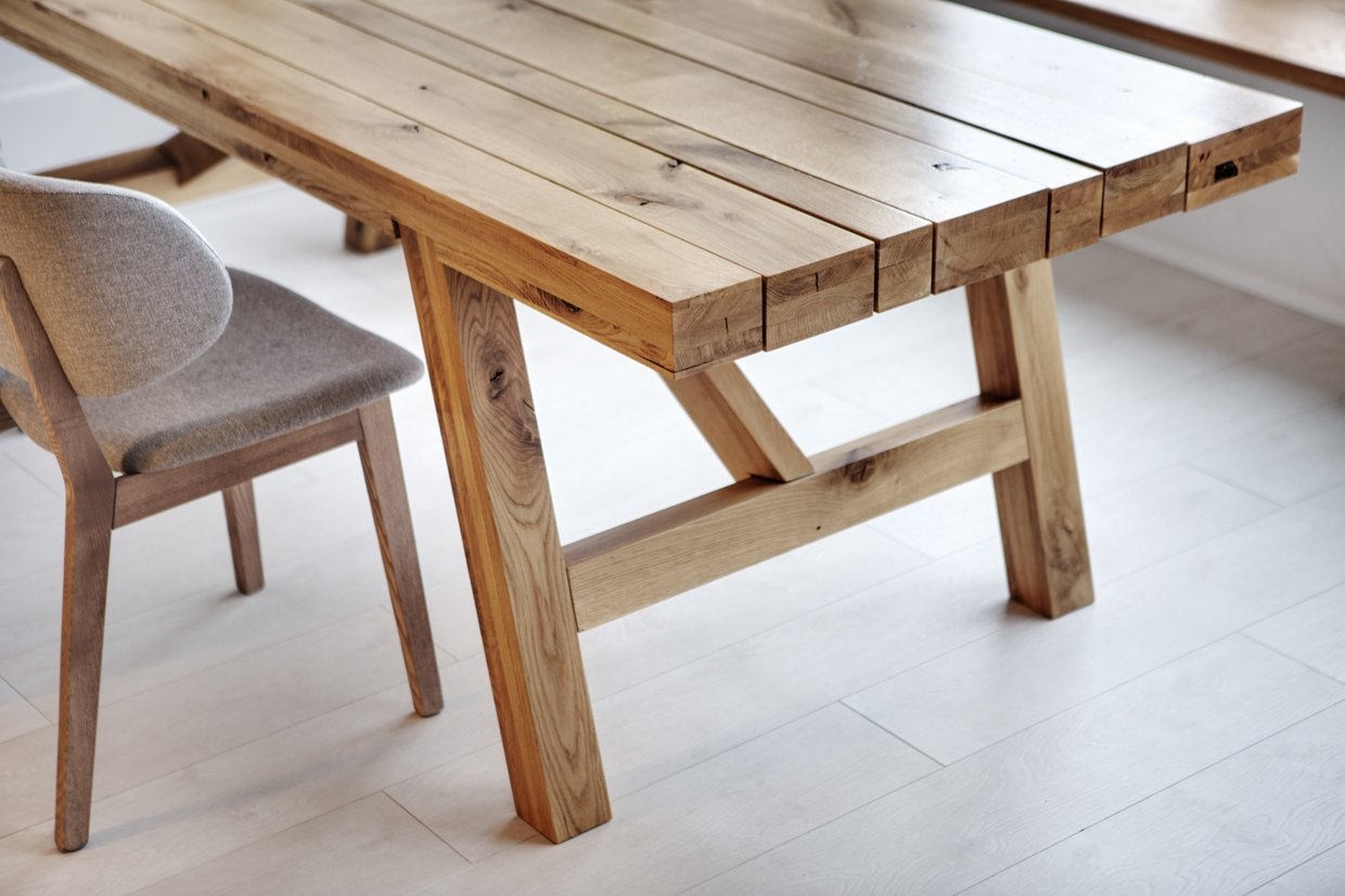 Exclusive wooden table