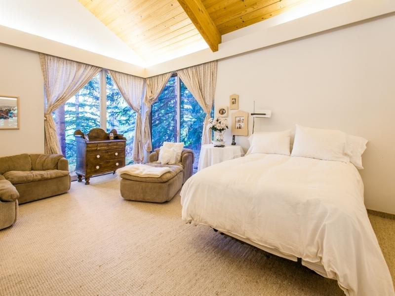 Cool master bedroom design