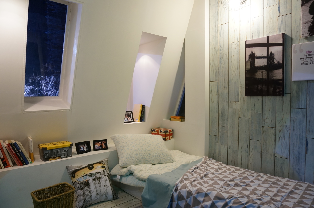 Lofted bedroom concept