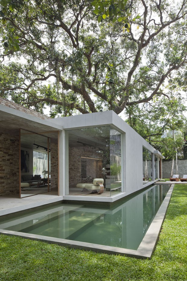 Minimalist design for small space