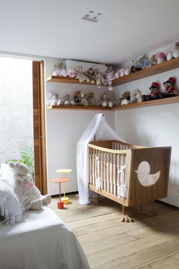 Modern nursery bedroom