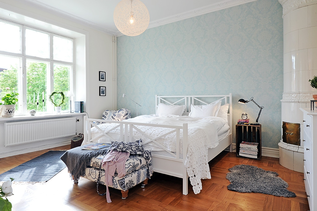 Bedroom paint ideas blue and white