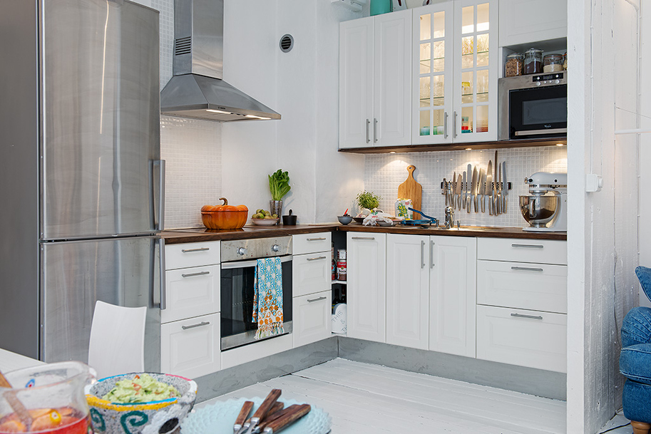 Small white kitchen ideas