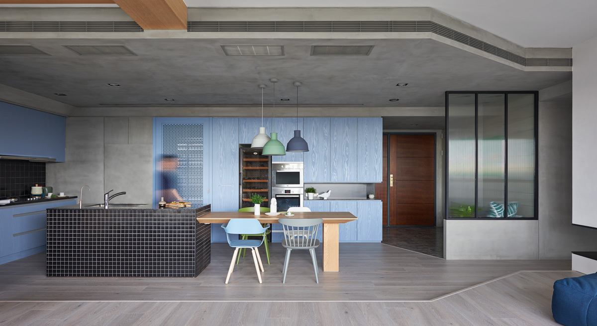 Modern Apartment Design With Colorful Accent That Perfect
