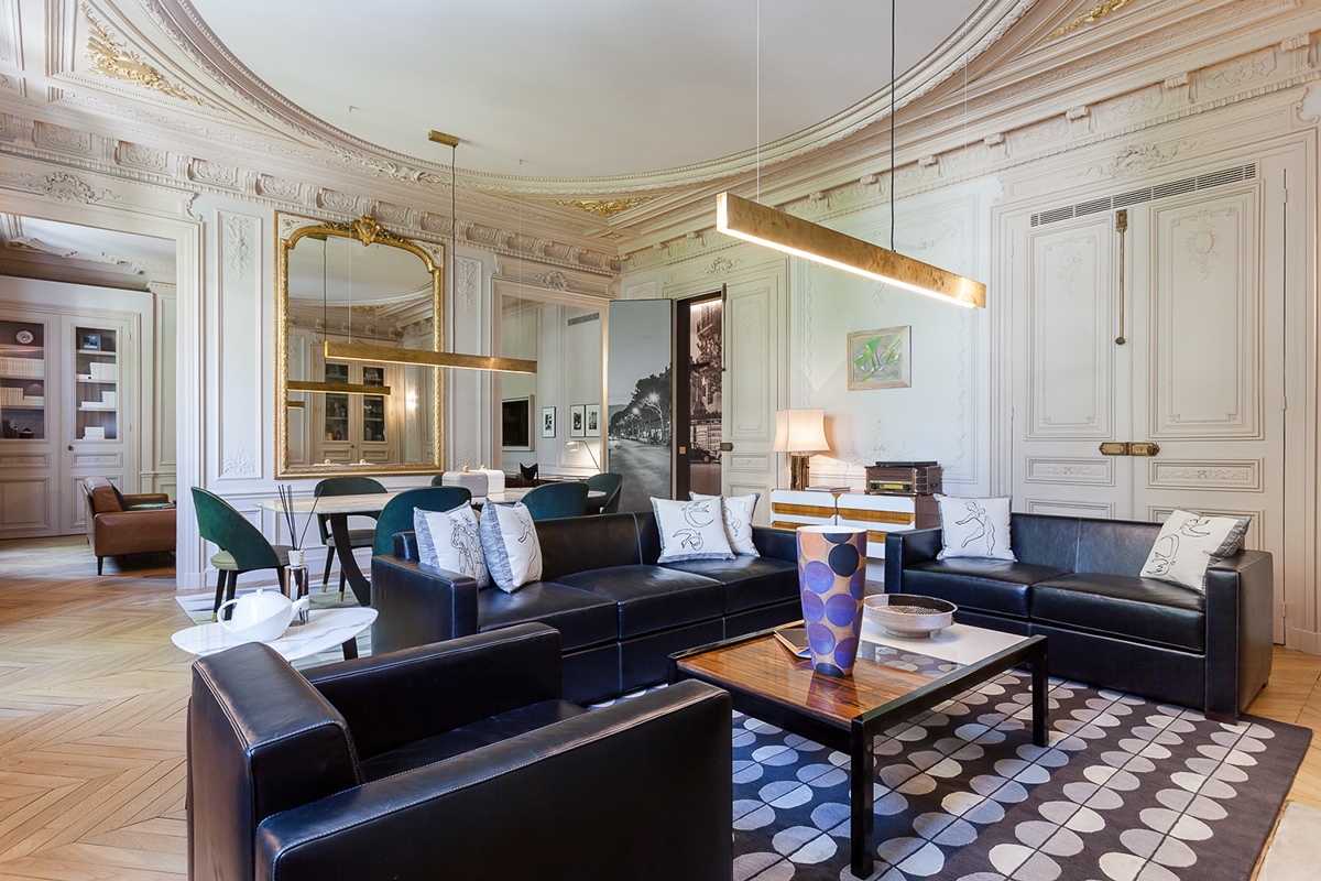 Modern luxury apartment interior design by mathieu fiol for Exclusive living room designs