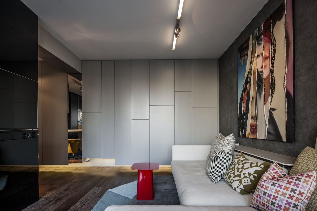 Industrial apartment design with dark interior style for Interior designs by ria