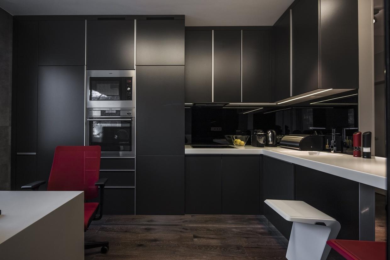 Industrial Apartment Design With Dark Interior Style