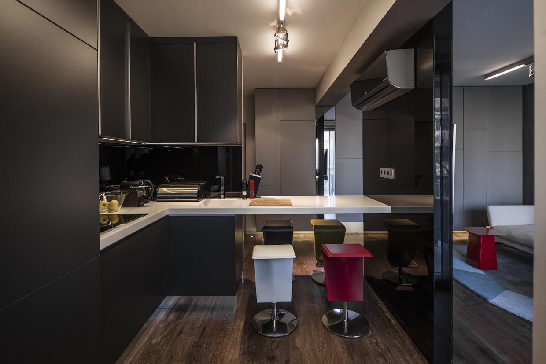 Dark kitchen style