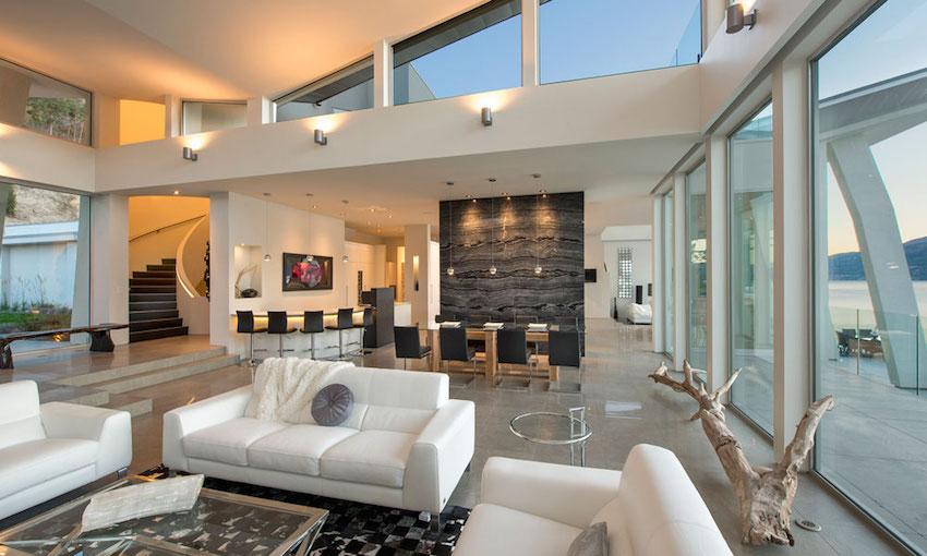 Luxurious Lake House Design