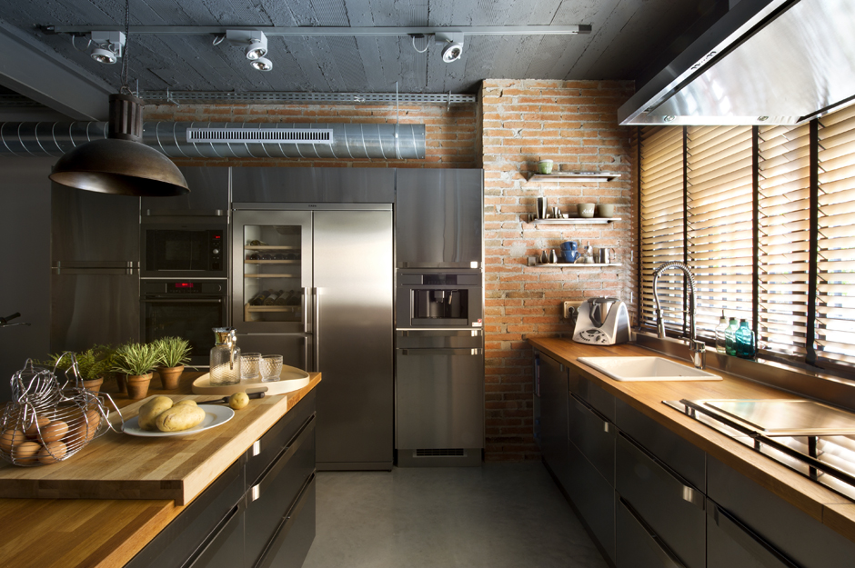 Modern home design idea with industrial style and nature for Contemporary kitchen style