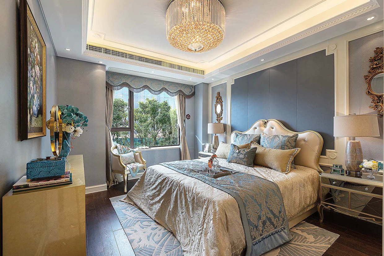 Luxury bedroom theme
