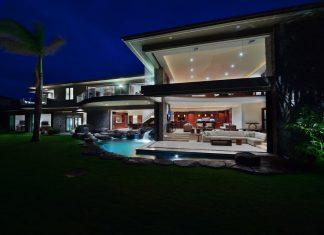 Luxury Hawaiian beach house