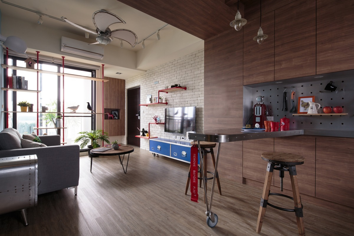 Unique apartment designs ideas with superhero decor for Aviation decoration ideas