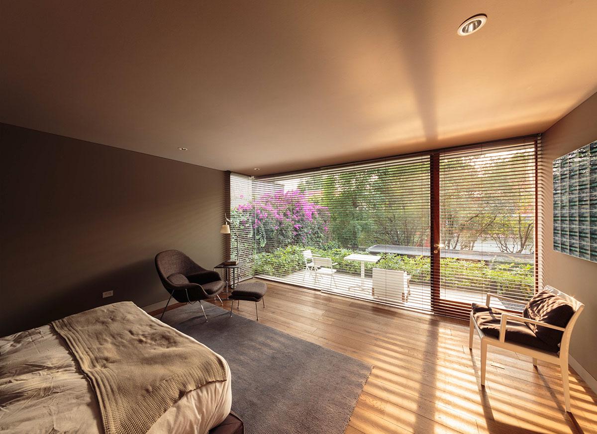 Luxurious bedroom theme
