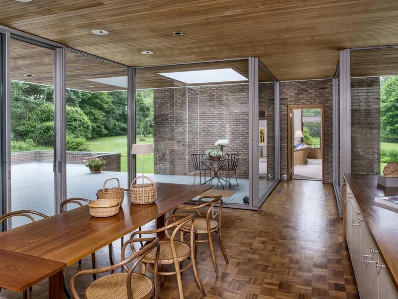 Luxury dining room design