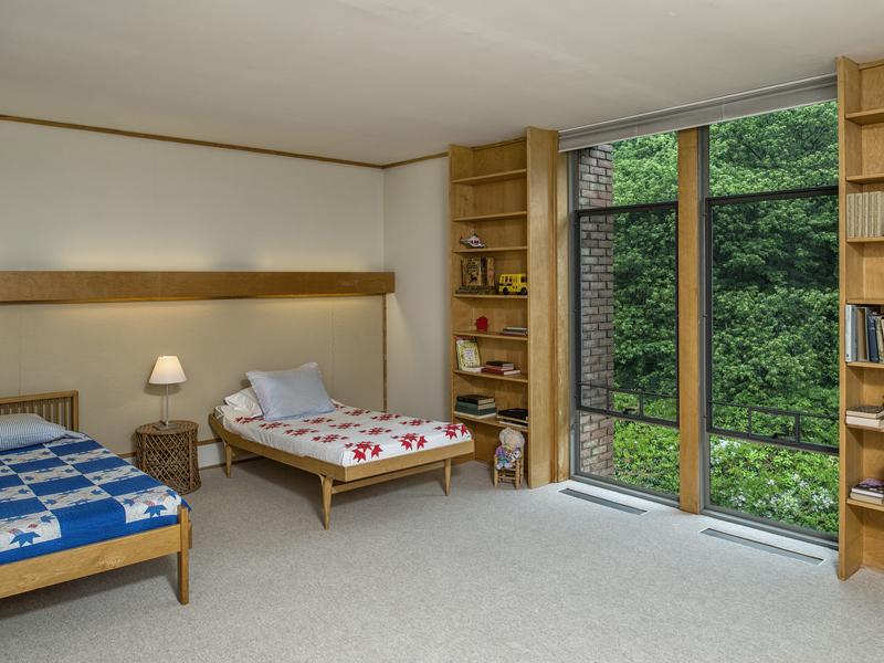 Minimalist kids bedroom design