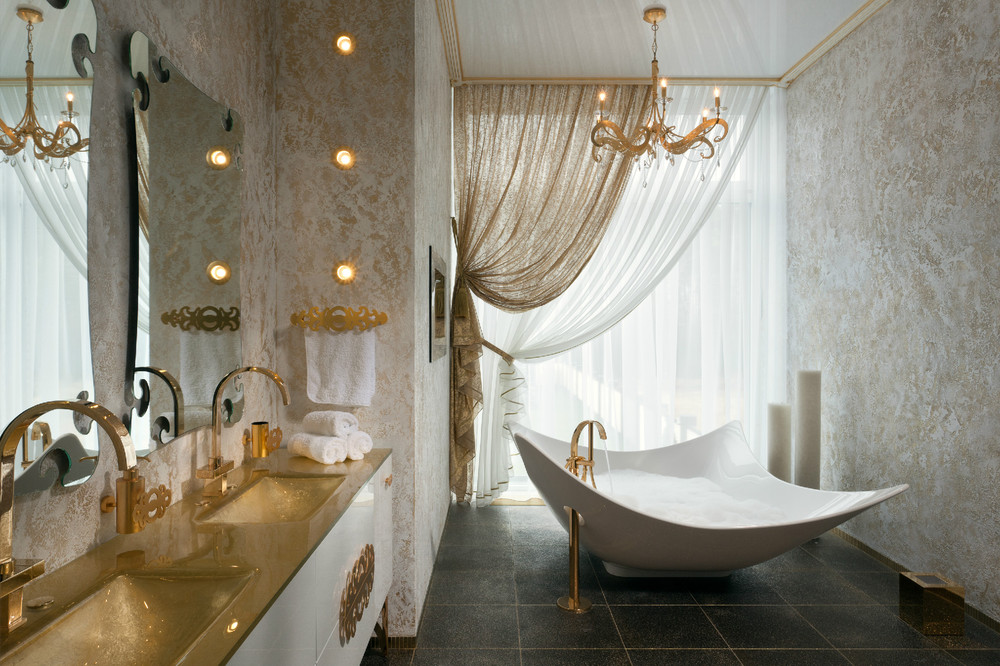 white glamour bathroom design