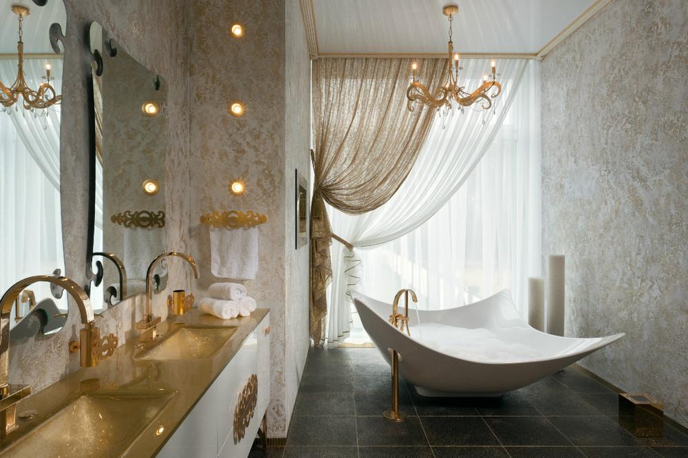 white glamour bathroom design