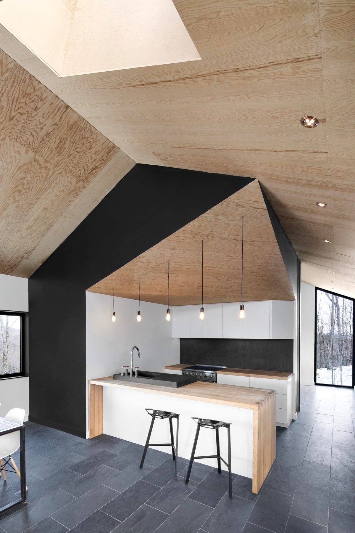 black and wooden kitchen