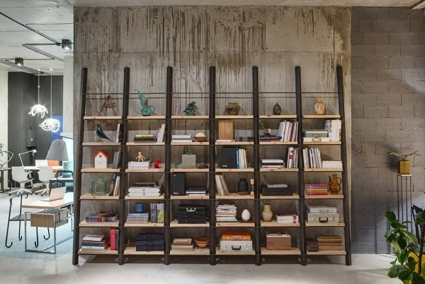Creative bookshelf in the living room