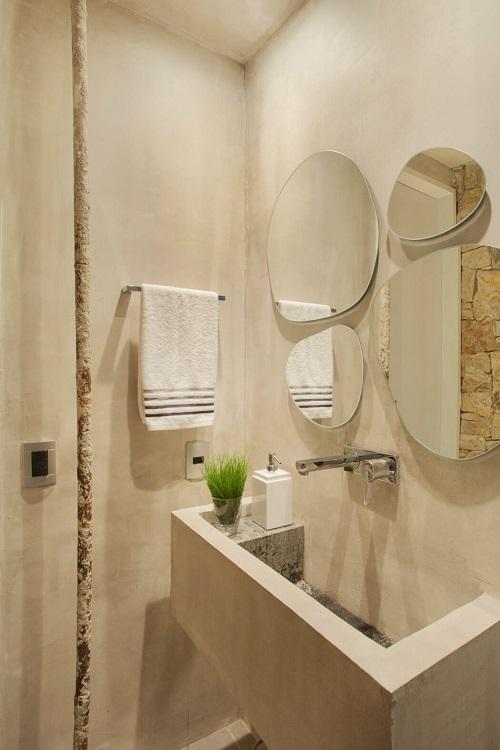 Creative interior for small bathroom