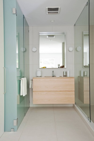 Modern bathroom minimalist