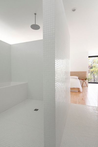 Simple interior design for bathroom