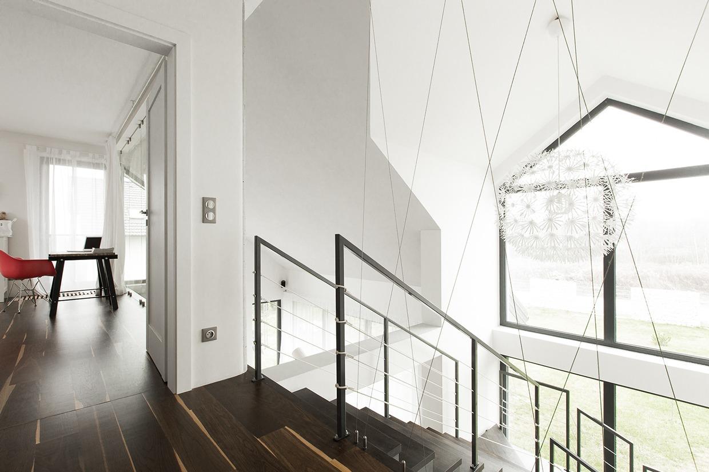 white stair design in home deisgn