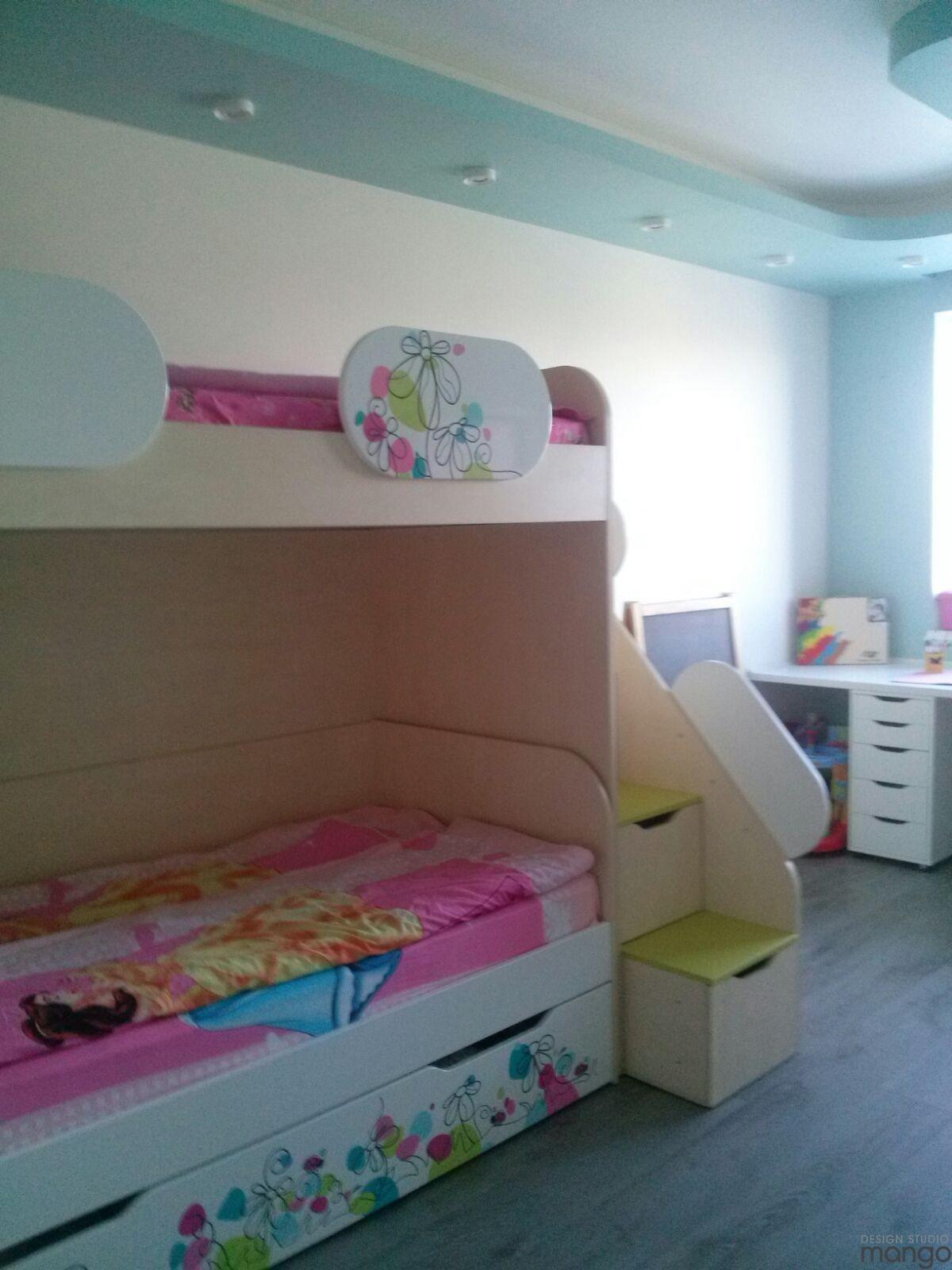 minimalist girls room