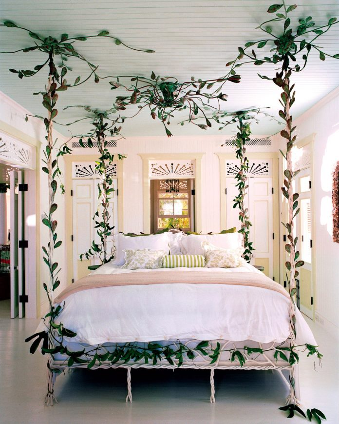 gorgeous bedroom decor with beauty frame beds