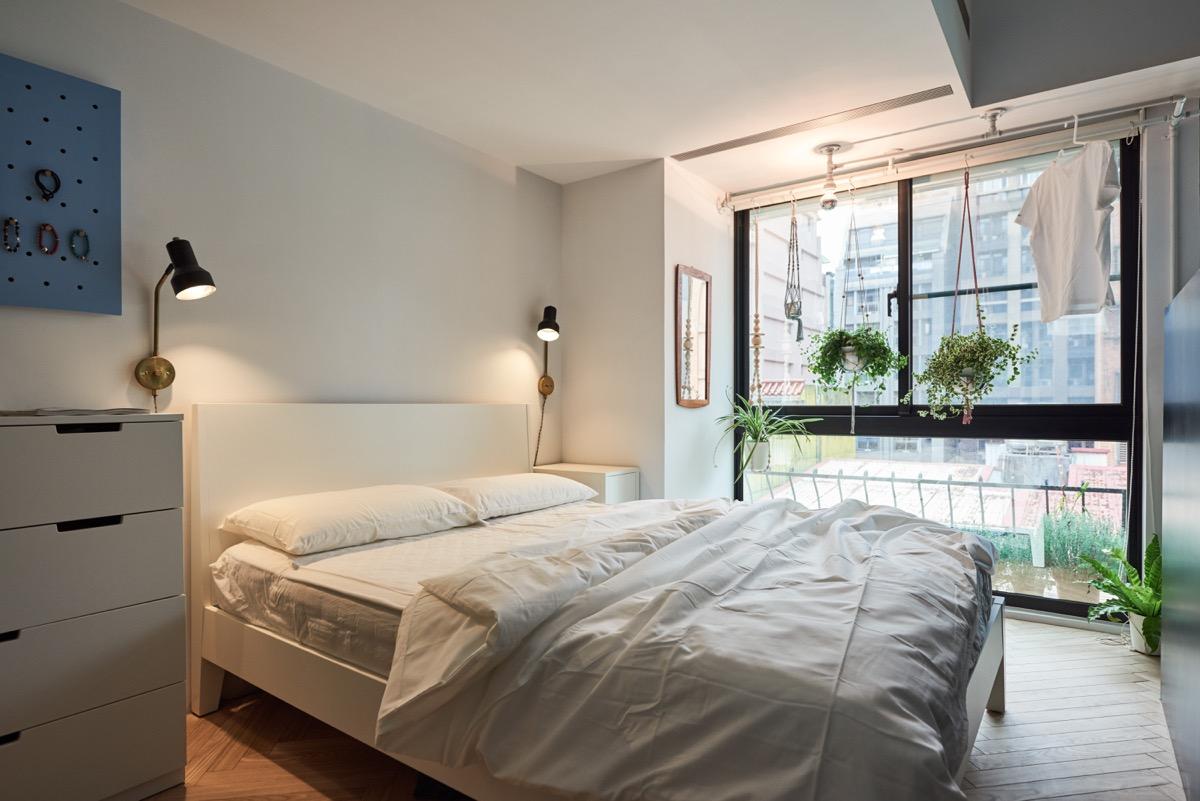 white hungarian bedroom design
