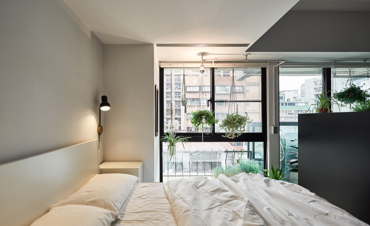 simple hungarian bedroom
