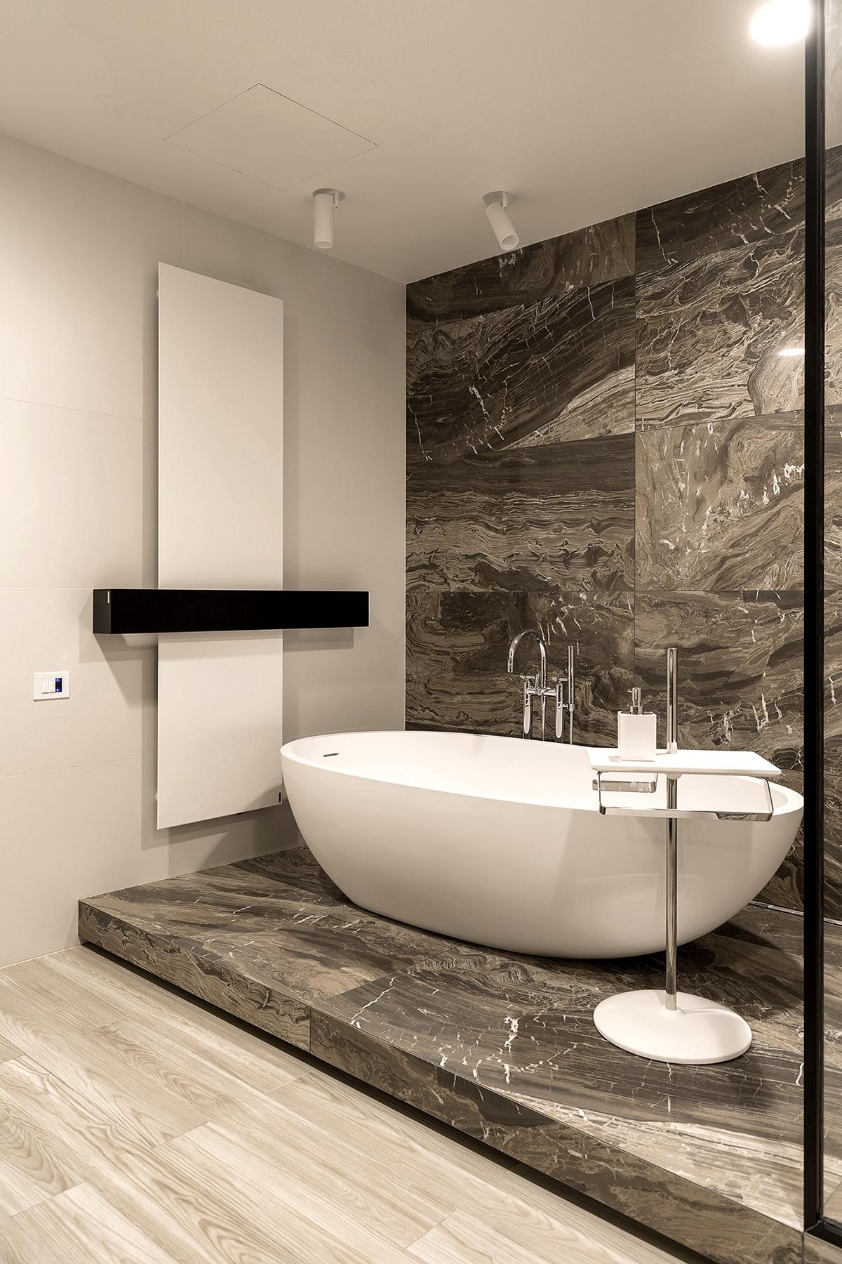 Bathroom-Marble-Wall-Tub