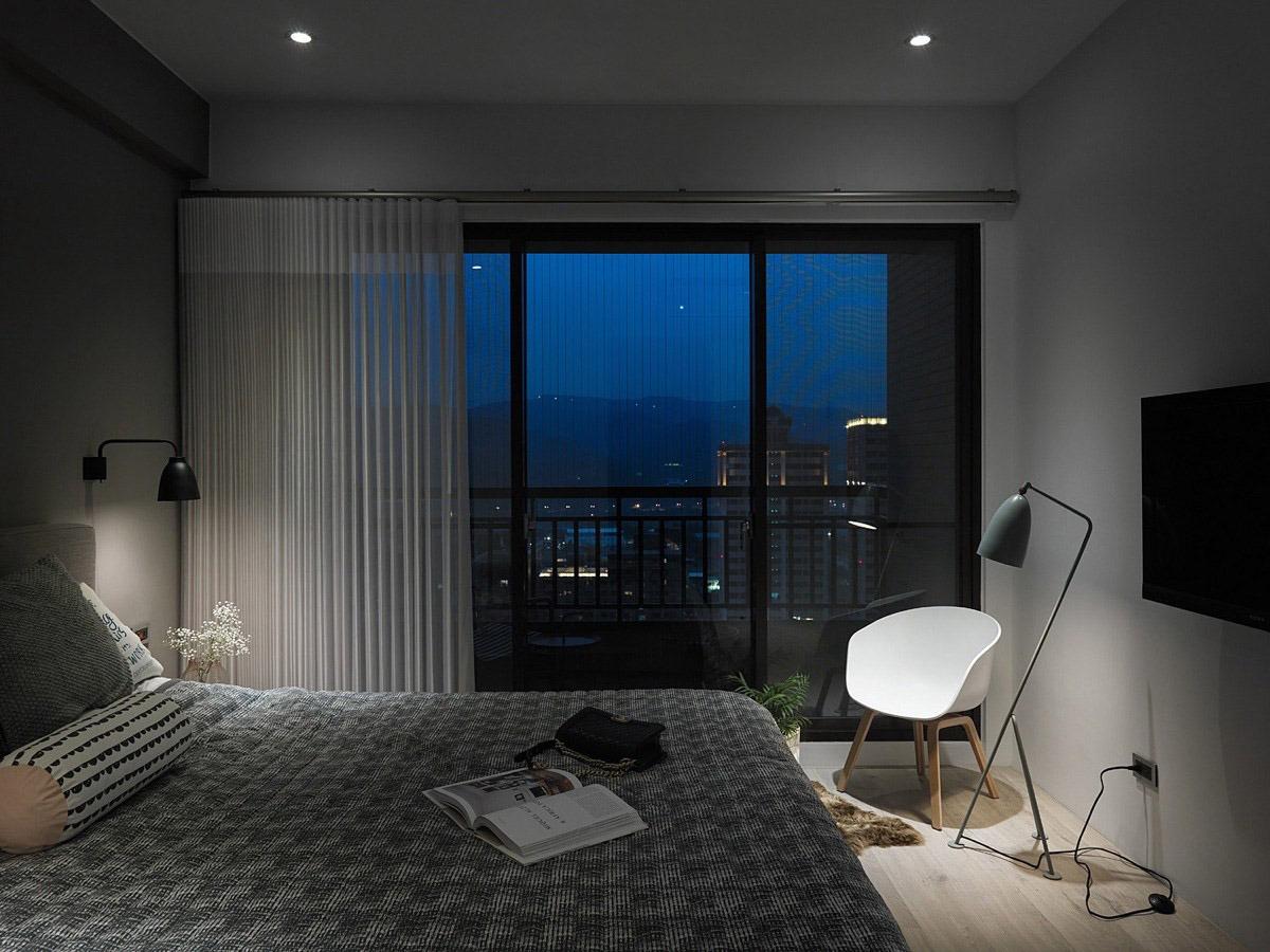 bedroom-ceiling-lights-tv-floor-lamp