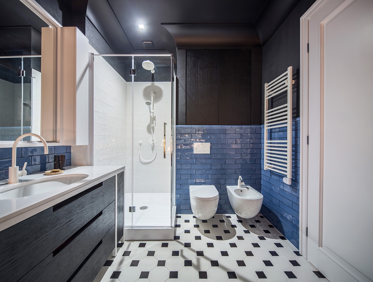master-bathroom-his-and-hers-amenities