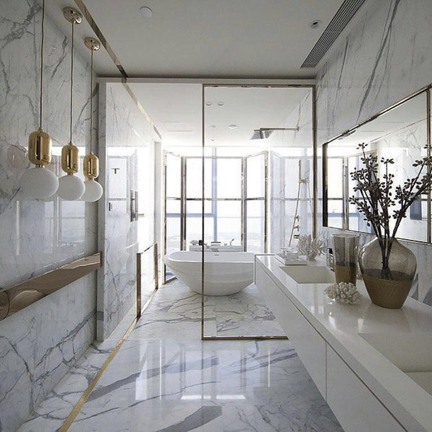 white luxury bathroom decor