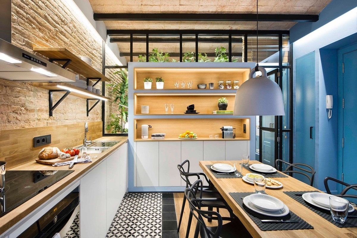 black-frame-windows-kitchen