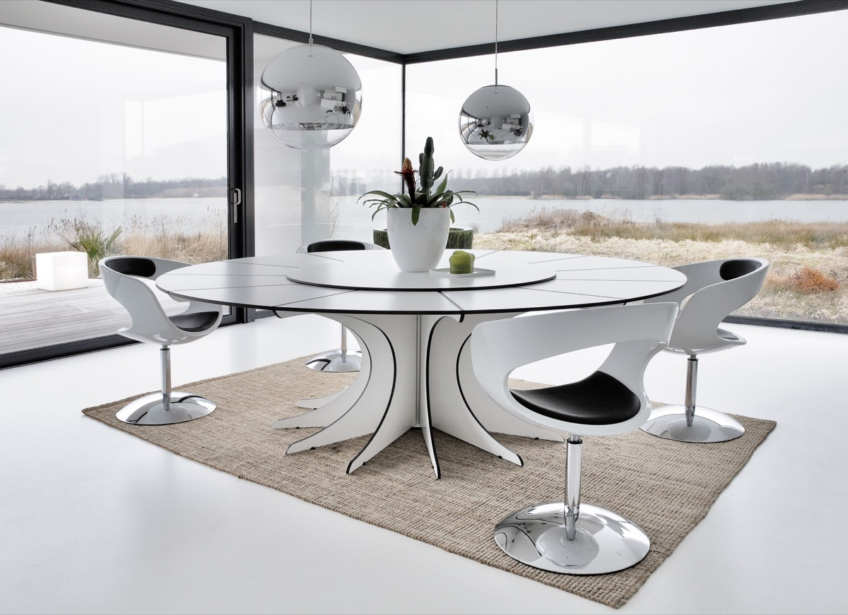 trendy dining room feature
