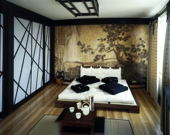 Japanese bedroom with wall accent design
