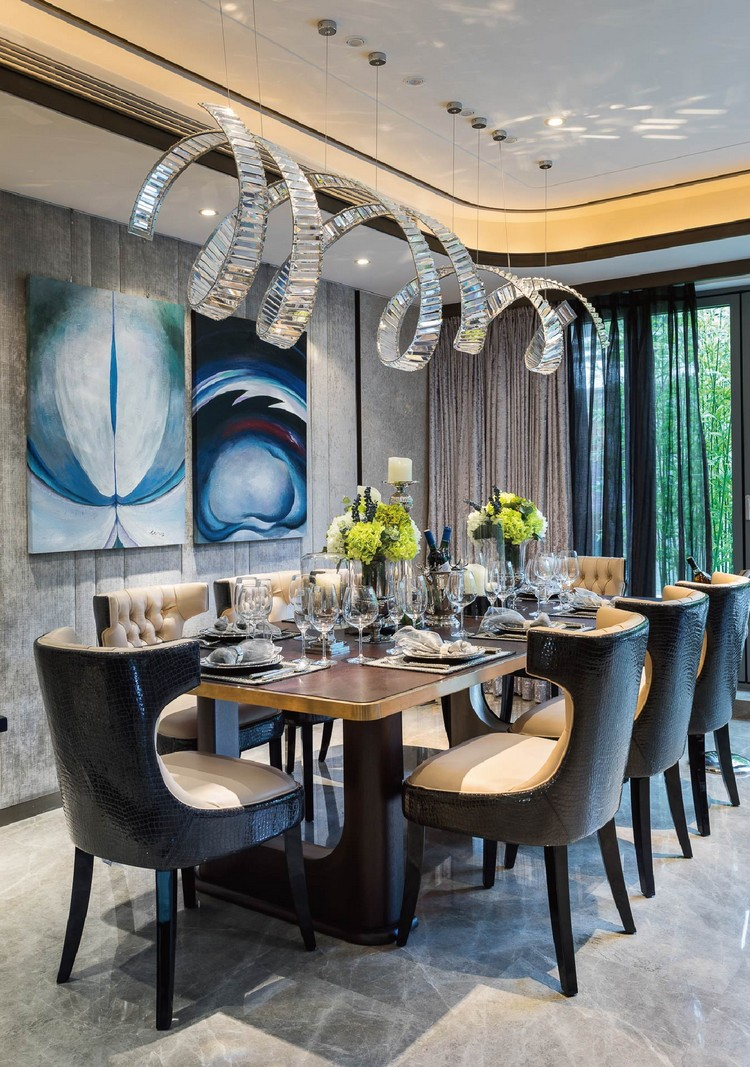 Variety of gorgeous lighting for luxurious dining rooms for Dining room ideas 2017