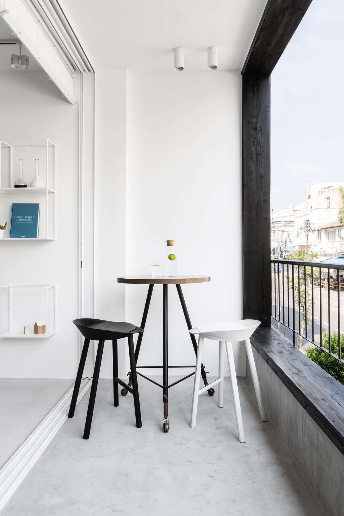black-and-white-barstools for balcony