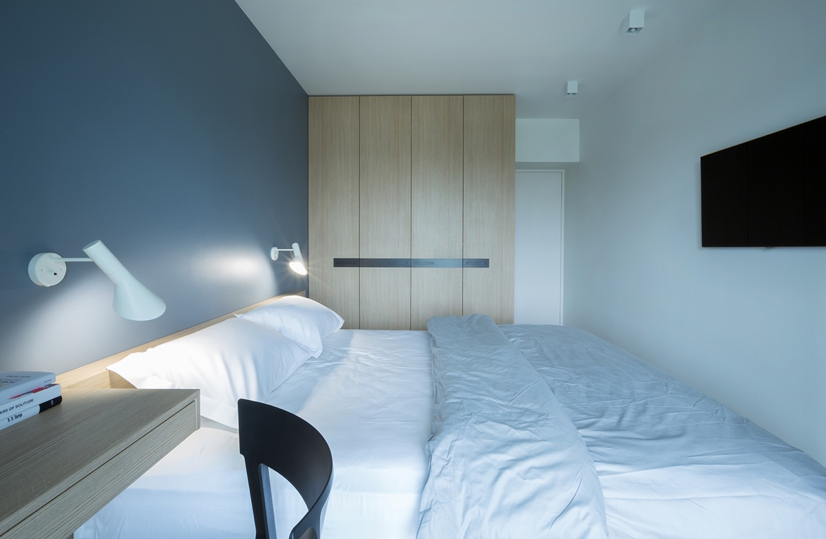 minimalist blue-bedroom