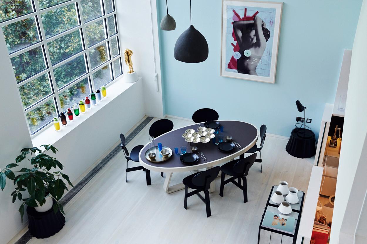 minimalist chic dining room